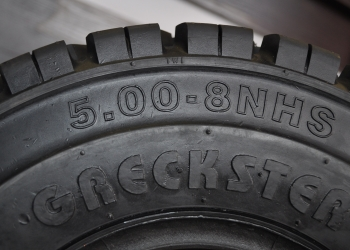 Opony do wózka widłowego 5.00-8 NHS Pneumatic