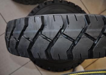 Opony do wózka widłowego 6.00-9 NHS Pneumatic